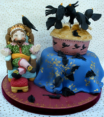 Four and twenty blackbirds (neviepiecakes) Tags: handpainted fruitcake blackbird fondant nurseryrhymes fourandtwentyblackbirds paintedcakemarzipan
