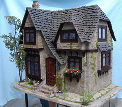 Tracy Topps Glencroft Dollhouse Kit Greenleaf