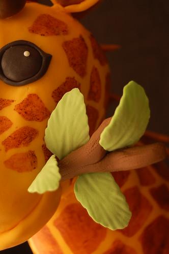 Giraffe cake - leaf closeup