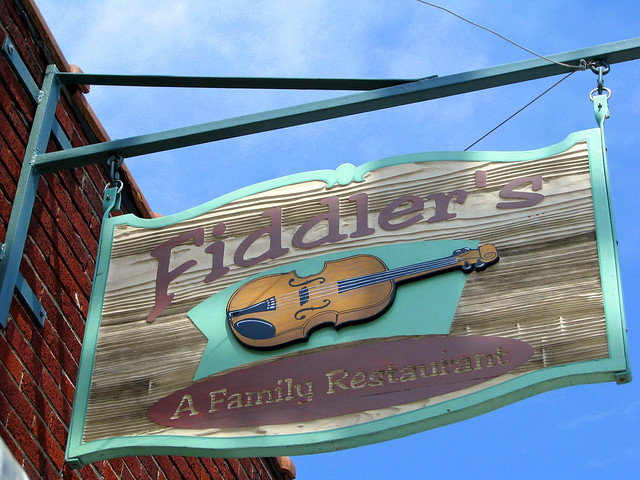 Fiddler's sign