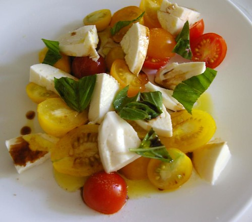 Tomato, mozarella and basil salad