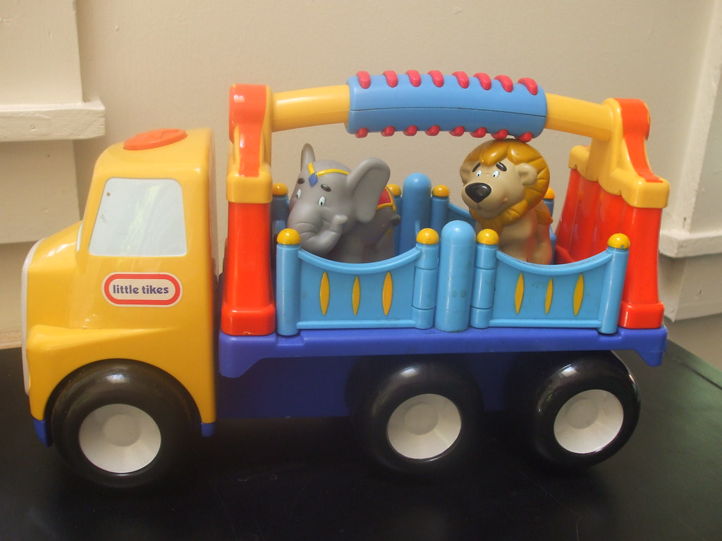 Little Tikes Circus Truck