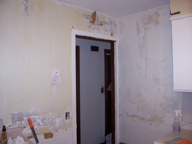 kitchen wallpaper removal