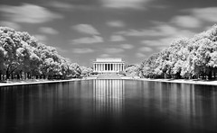 Lincoln v2 (Hannes R) Tags: bw usa reflection water pool america ir temple washingtondc us blackwhite dc washington unitedstates lincoln infrared lincolnmemorial abrahamlincoln enbrabild