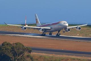 Avion llegando a Los Rodeos. Tenerife