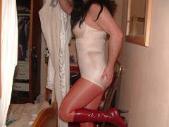 l_0e2739ec9e48215bbb6e6a892c780baa (cddebbs24) Tags: boots tights pantygirdle