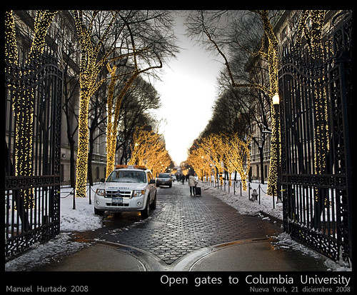Open gates to Columbia University (by ManuelHurtado)