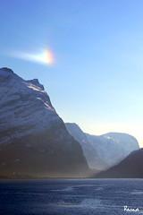 Iskrystaller i lufta. (ragnanerdal) Tags: ice nature sunbeams landskap mykindofpicturegallery betterthangood lovenorway
