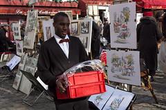 Serveur  Montmartre (Myad) Tags: paris france europe montmartre iledefrance