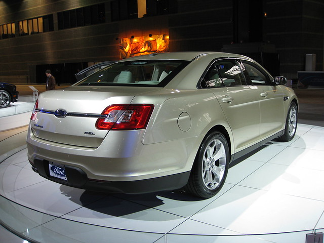 auto show chicago ford taurus 2009