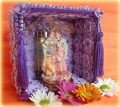 Krishna e Radha (Lidia Luz) Tags: shrine handmade crochet altar shiva radha croch oratrio relicrio lidialuz