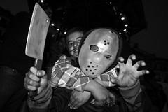 out of friday the 13th (Lara Mazacats) Tags: party fiesta happiness nios boo disfraz carnaval fridaythe13th alegra mscara susto peques hacha viernes13