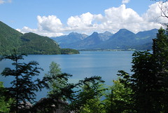 Wolfgangsee (JRT ) Tags: blue trees sky lake holiday water beautiful clouds austria nikon warm sunny mountians wolfgangsee d40 thegalaxy aplusphoto platinumheartaward