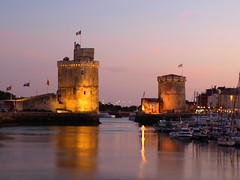 The Old Port of La Rochelle (DaveKav) Tags: france port twilight dusk towers olympus larochelle oldport saintnicolas e510 fourthirds towerdelachane