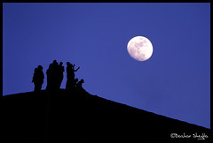 The sun goes down, The moon comes up ! (Bashar Shglila) Tags: moon sahara silhouette night desert libya ghadames libia libyen   lybie   lbia  libi  libiya liviya ghadamis libija        lbija  lby libja lbya liiba livi