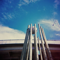 Holga et l'art de la basse-ville (a n n ! c k) Tags: sculpture art film québec quebeccity fujichrome stroch viaduc holga120cfn basseville provia400x crève marche2 marche3 crève2 crève3 crève4 marche5 marche4 marche1