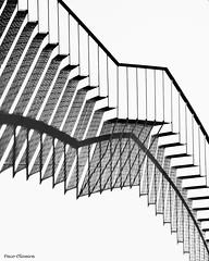 subes? (5millas_fjot) Tags: geometria campodegibraltar superlativas introsp cdgexplorer