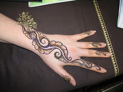 IMG_0215 (henna.elements) Tags: art floral beautiful tattoo design hands drawing paste henna westernmass hinna kripalu mehandi mehendhi hennaelements
