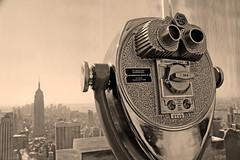 Top of the Rock - Sightseeing (carlos_seo) Tags: new york city cidade usa field rock sepia digital de photography photo flickr dof top manhattan united picture center eua short finepix campo fujifilm states rockefeller 2009 depth estados profundidade curta unidos s9600