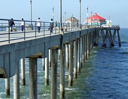 Huntington Beach, California by tossmeanote.
