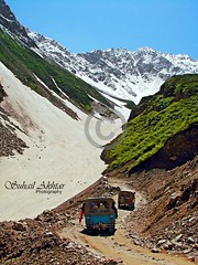 Passage to Lake Saiful Maluk (Suh@il) Tags: travel pakistan mountain lake snow tourism rocks track jeep stones glacier adventure valley peaks nwfp naran suhail jeepsafari sonyh5 jeeptrack suhailakhtar northernareaofpakistan lakesaifulmaluk tolakesaifulmaluk shootingfromjeep