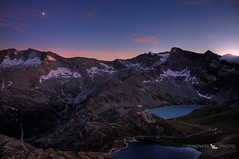 Gran Paradiso National Park - Sunset and moon (Andrea - Lupinoweb) Tags: park sunset red italy parco mountain clouds canon evening nationalpark italia tramonto nuvole rosso montagna sera lupino canavese parconazionalegranparadiso pngp lupinoweb