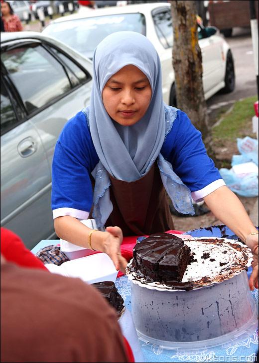 chocolate-moist-cake