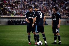 reunio kaka cristiano granero (davidcasany) Tags: barcelona madrid new portugal ball de real la photo spain play o nine 9 move nike una match catalunya adidas now sprint nueva falta 2009 ronaldo cristiano cristianoronaldo league cr nou debut foul segunda 2010 temporada realmadrid kak liga pilota freekick fent espanyol reuni granero nueve xerrada regate abans rcdespanyol cr9 equipacin digali xutar favorplayer