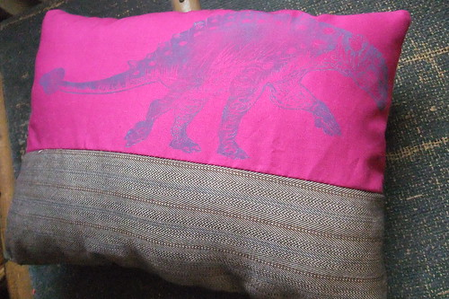 Euoplocephalus pillow