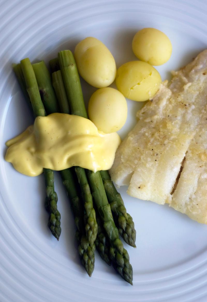Espargos e maionese de limão // Asparagus and Lemon Mayonnaise
