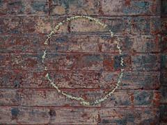 brick-wall-circle