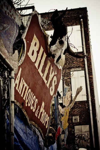 Billy's Antiques & Props
