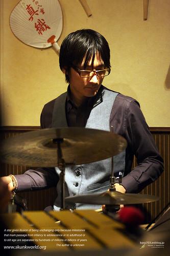 Youhei SAITO/斎藤洋平 (ds)