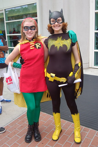 Comic Con 2009: Robin and Bat-Girl