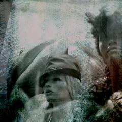 atemporal (rosa_rusa) Tags: madrid espaa woman spain women squared almas maniquies atemporal hourofthesoul rosarusa