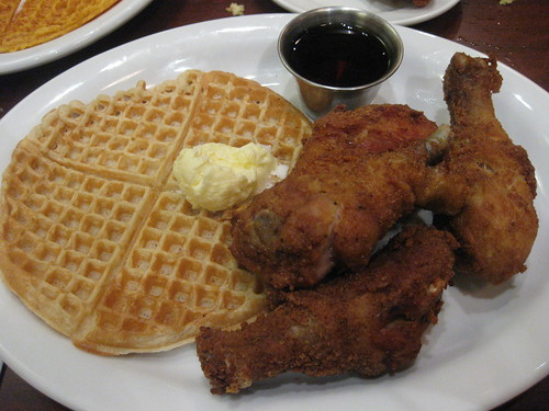 Gussie's Chicken and Waffles in San Francisco - regular waffle