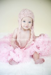6 months old.  baby photographer. (Heidi Hope) Tags: hh familyphotographer warwickri babyphotographer maternityphotographer newenglandphotographer newbornphotographer massachusettsphotographer rhodeislandphotographer pregnancyphotographer heidihopephotography heidihope babystudio newbornportraitstudio
