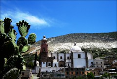 Vive Real de Catorce. (Orcoo) Tags: church mexico iglesia nopal realdecatorce realde14 sanluispotosi sanfranciscodeasis pueblofantasma pueblomgico orcoo oswaldoordoez vivemexico arquitecturapicnik vivesanluispotosi cotolico