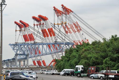 3 Floating Cranes