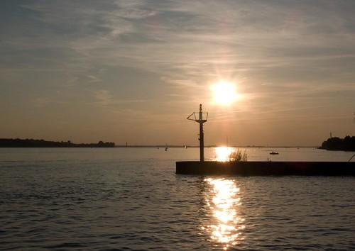 Abend an der Elbe