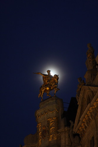 Moonrise on the Grote Markt. Brussels