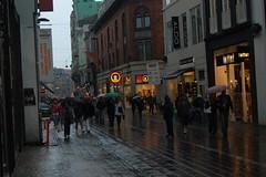 .... Regen und Gewitter. (das_sabrinchen) Tags: street rain copenhagen denmark norden dänemark kopenhagen ostsee regen regn københavn frühling strase