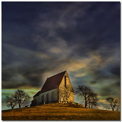 On the top of the hill (pixel_unikat) Tags: sky tree texture square austria bravo hill chapel soe textured muehlviertel 500x500 wenzelskirche justimagine memoriesbook multimegashot goldenart thedantecircle artistictreasurechest themonalisasmile wartbergobderaist