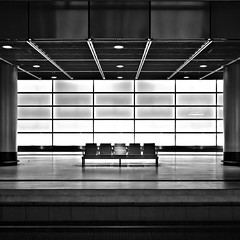 Bench (96dpi) Tags: blackandwhite bw station bench square geometry platz potsdamer bank bahnhof potsdamerplatz sw schwarzweiss bahnsteig quadrat geometrie ef1740f4lusm 5dmarkii