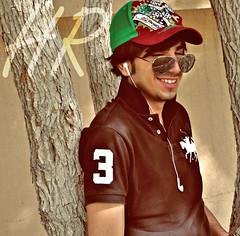خل الفرحه والسعاده لك دايم عنوان... افتح صفحه جديده وانسى كل الي كان (ĤŘ) Tags: moon 3 cute london smile uae handsome arab hr humaid mashala 7maidy arabmoon
