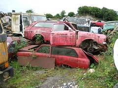 MK2 Ford Escort Estate...on the double (Scrawb) Tags: junkyard scrapyard escort oldford fordescort kildare oldescort fordcars mk2fordescort mk2fordescortestate oldescortestate