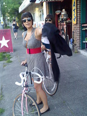 naynay (zhoffner) Tags: seattle ladies girls bicycle bikes zlog