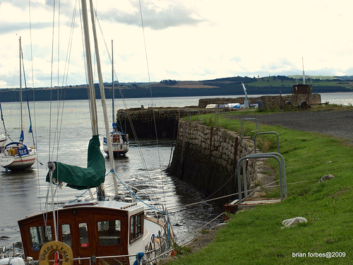 stairs marina scotland ancient sailing harbour fife flag estuary pole forth yachts masts tidal banking silt rosyth undiscovered sherekhan beautifulphoto olympuse510 brianforbes firrthofforth couriercountry