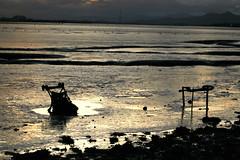 Bo'ness Shore Line - 13303 (NH_Snap) Tags: reflection clouds scotland sundown mud tide forth bp boness firth firthofforth grangemouth centralscotland ineos borrowstounness nhsnap