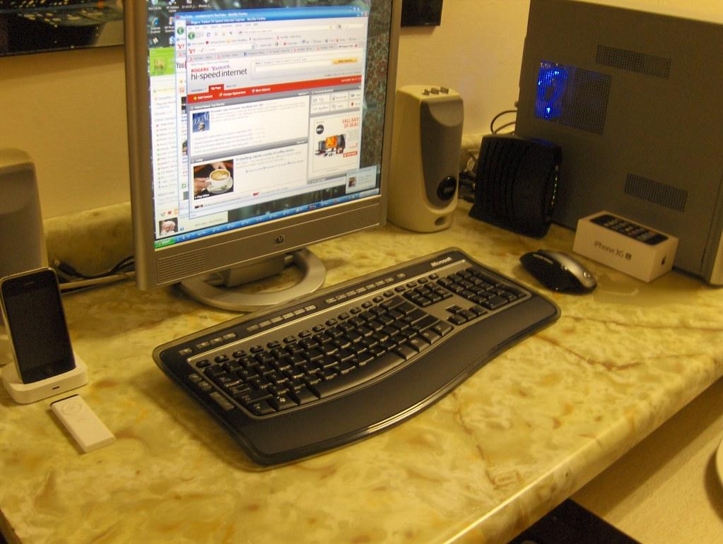 Microsoft Wireless LAser Desktop 6000 v3- what it looks like with my desktop